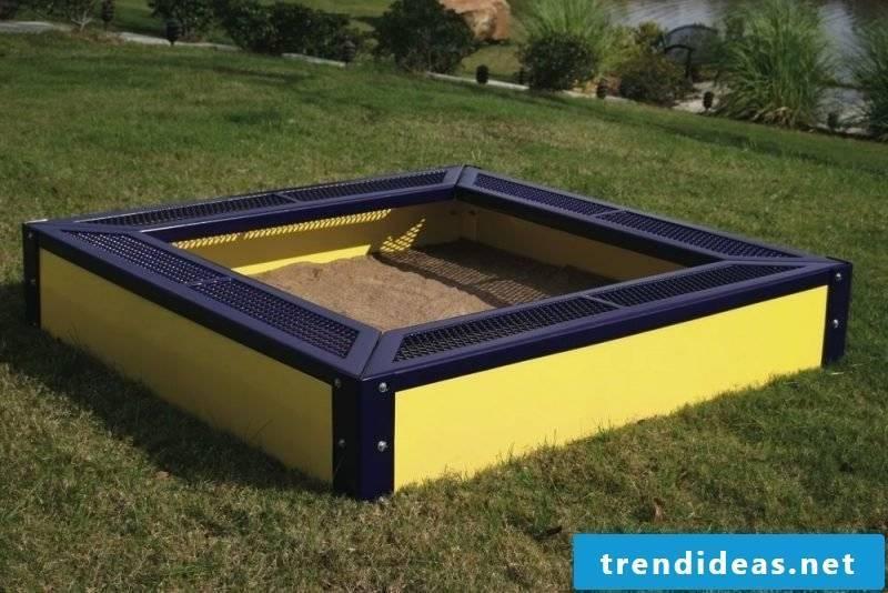 Sandbox build multicolored