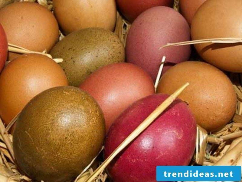 Easter eggs color creative ideas. Use natural colors