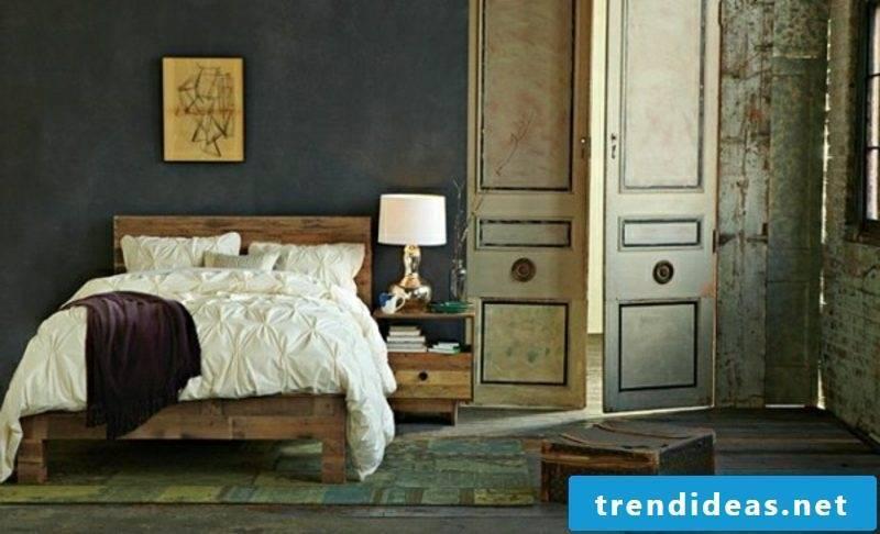 Vintage bedroom Euro pallets bed gorgeous look