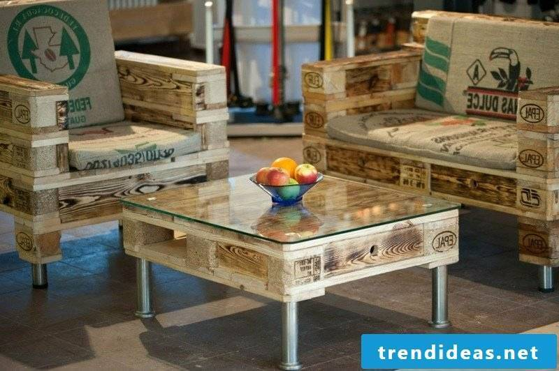 Coffee table made of europallets rustic look