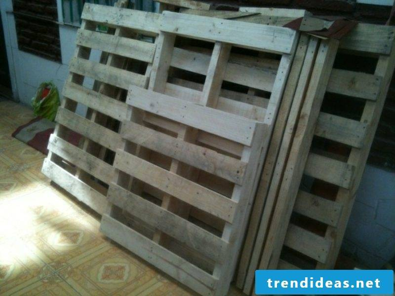 Build europallets bed, buy pallets in good condition