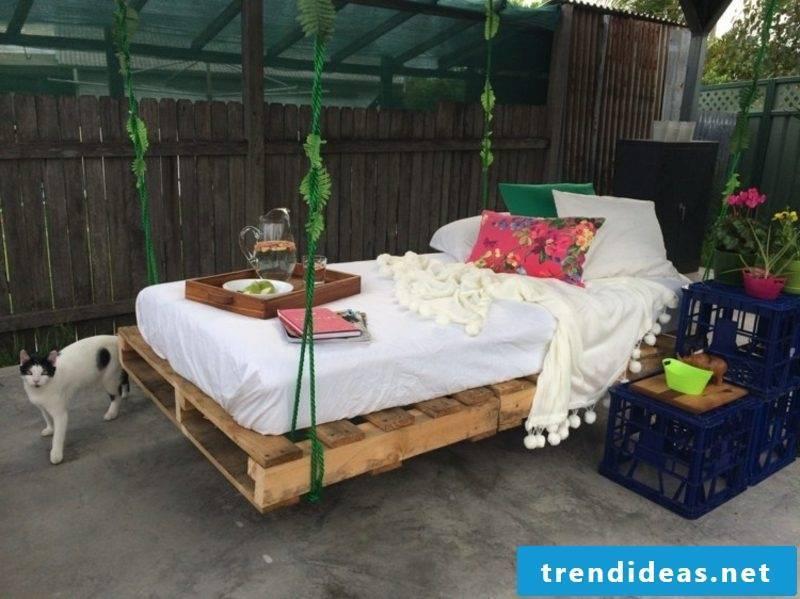 Euro pallets bed original look