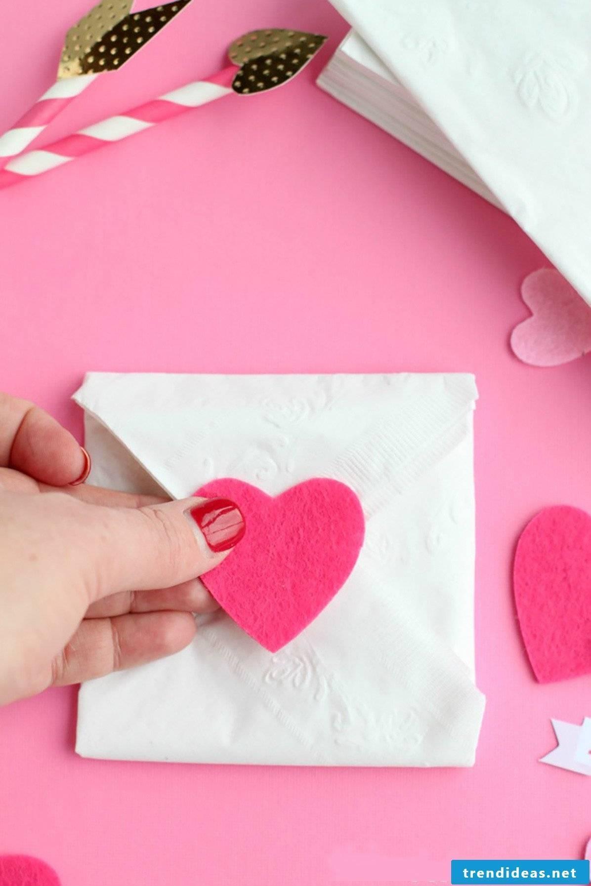 Fold an envelope Make Valentine's Day