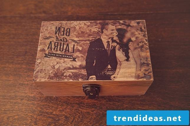 DIY Gifts for Father's Day 2018 - Wooden box with photo