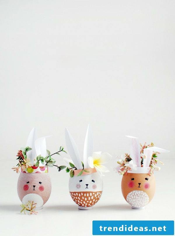 Small vases in the shape of Easter bunnies Crafting: Your family praise your creativity