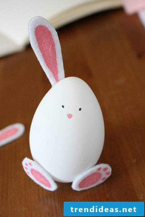 DIY Easter Bunny Craft: Stick the ears of the Easter Bunny on