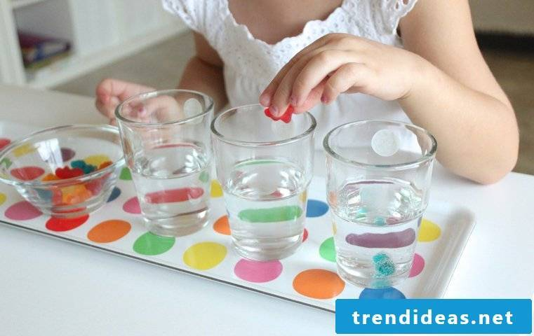 Water experiments with gummy bears