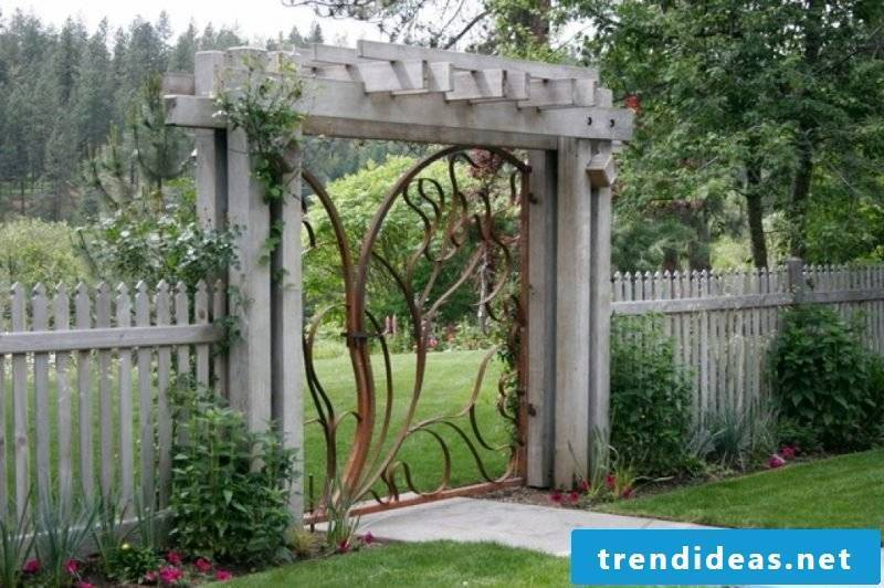 Garden gate itself build creative design