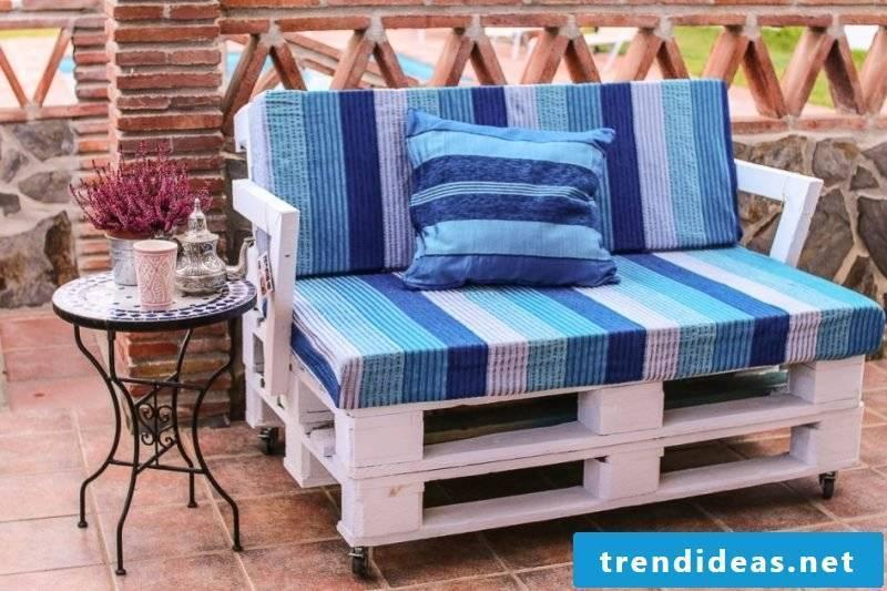 Creative idea for sofa made of europallets