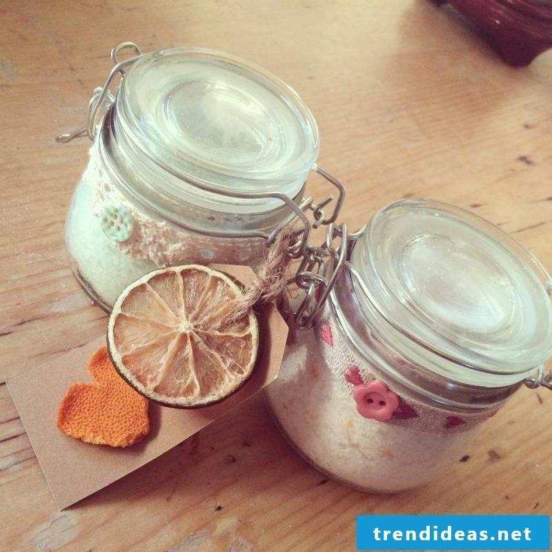 Bath salt itself make grapefruit