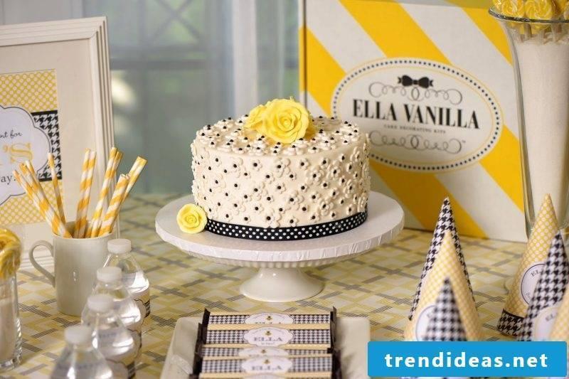 Fancy cake decoration