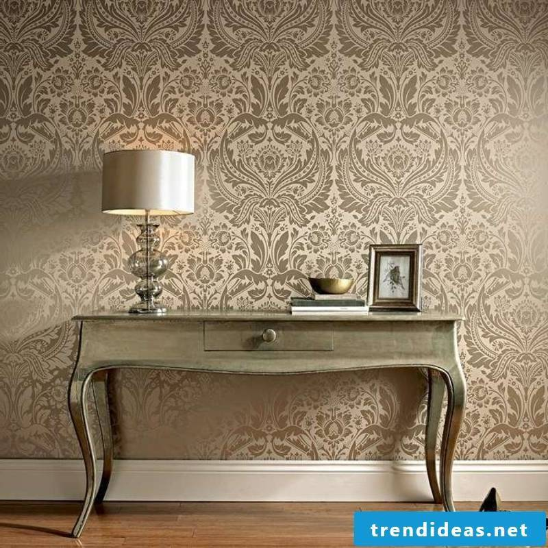 gold colored wallpaper in Baroque style