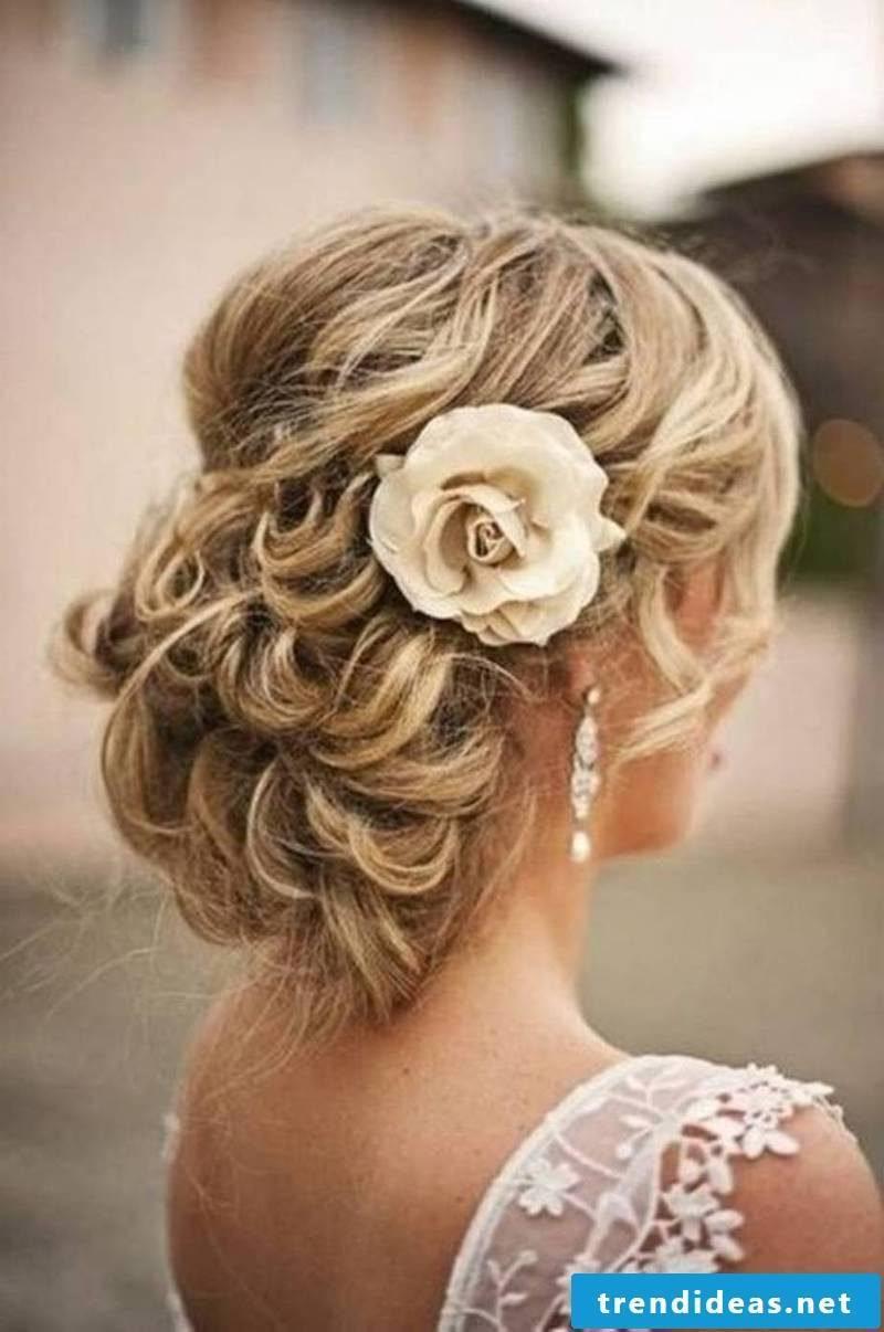 Curls Updo Dut