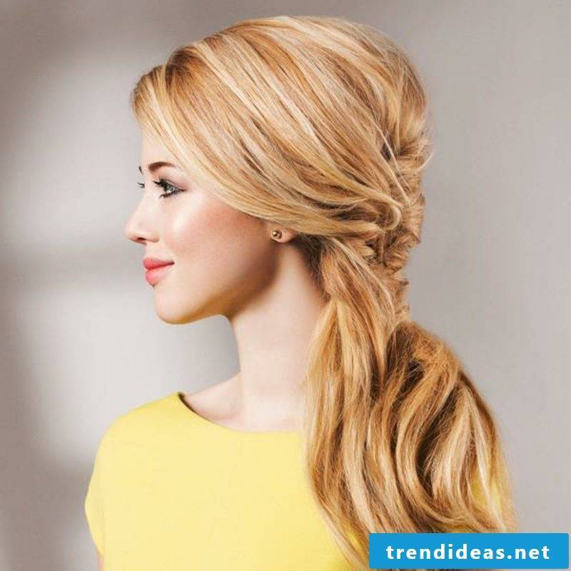 Hairstyles for shoulder-length hair quick updos