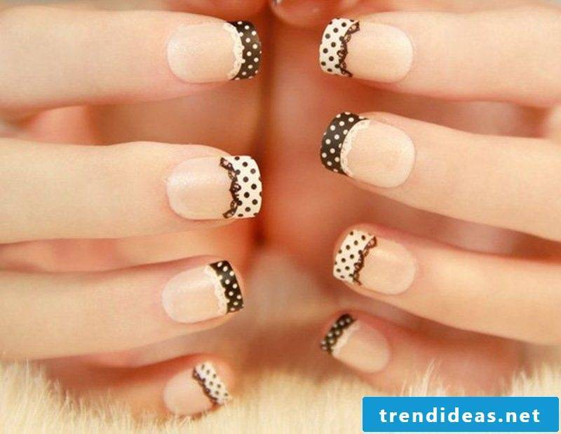 Nail art French black and white