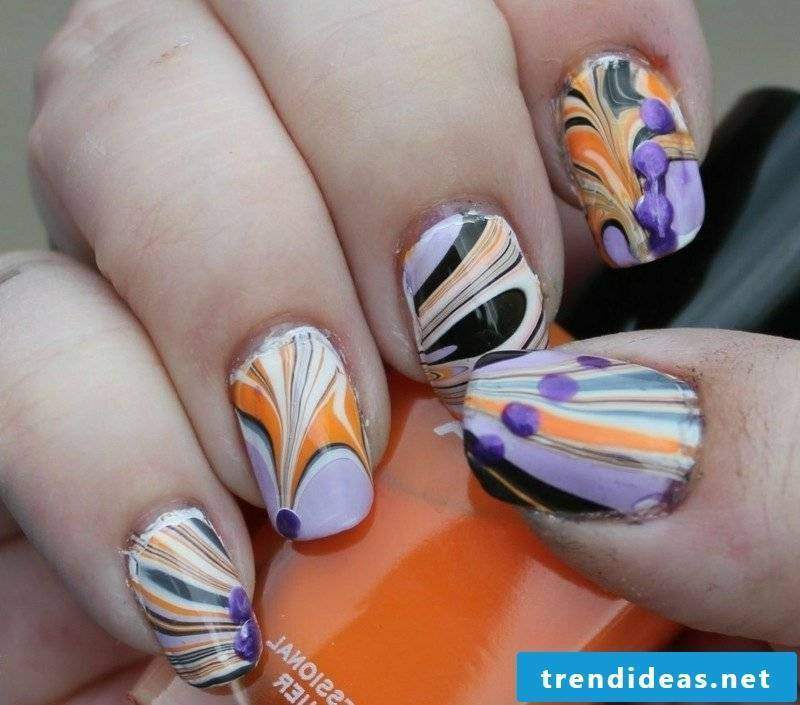 Nail art marble effect