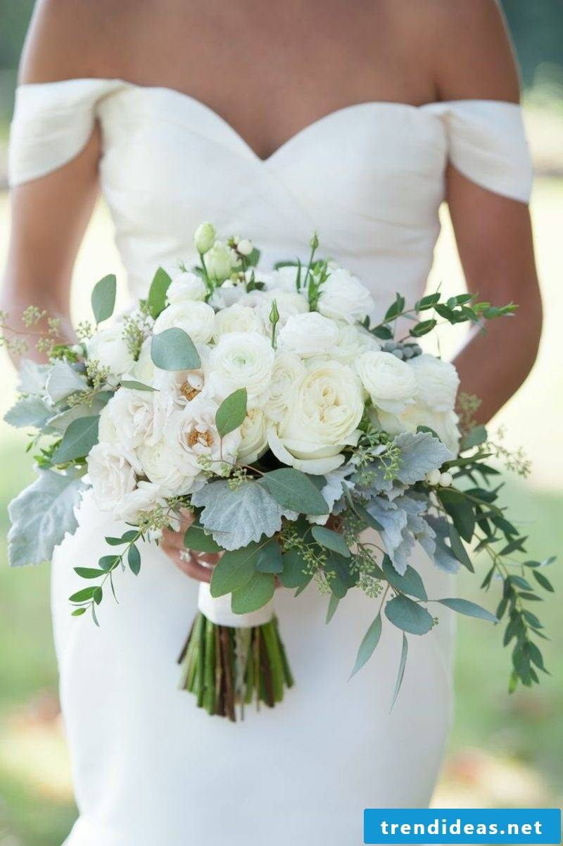 Floral arrangements for wedding
