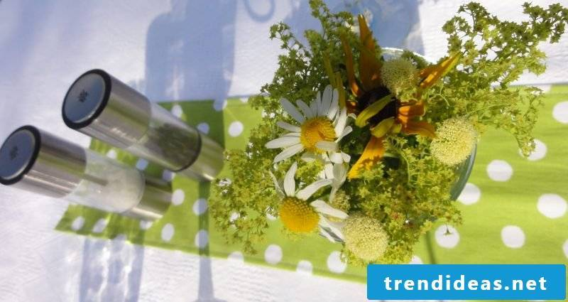 flowers table decoration green