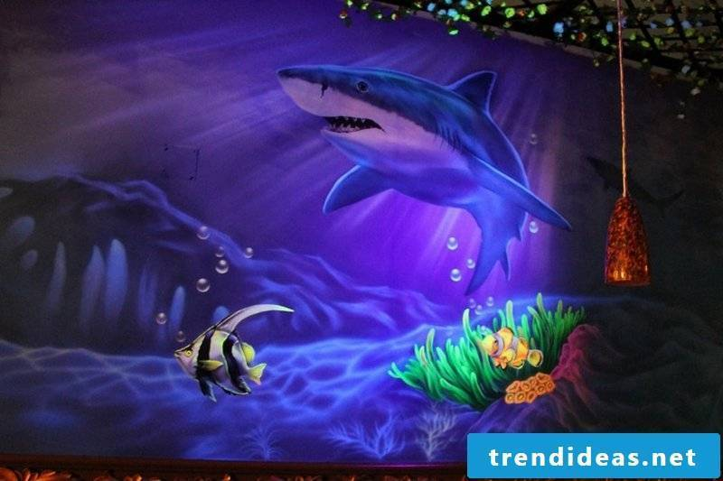 Underwater world self-luminous colors
