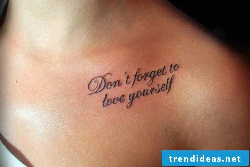 Tattoo lettering original look woman breast