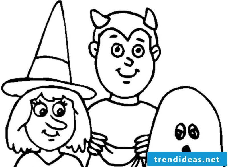 Create your own coloring book with our coloring pages for Halloween