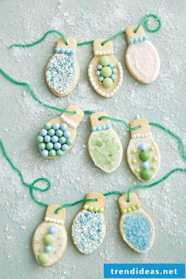 Christmas decoration - garland of Christmas cookies