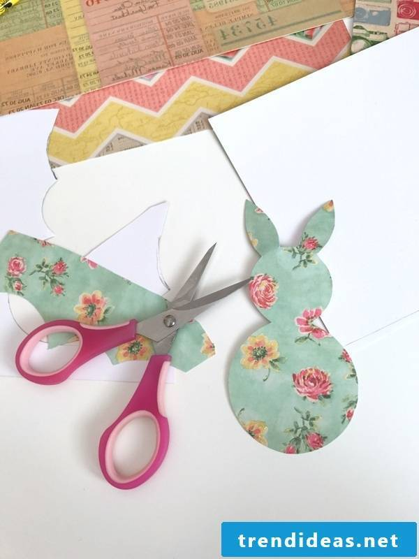 Do you want to make yourself Easter cards that are perfect for these funny Easter greetings