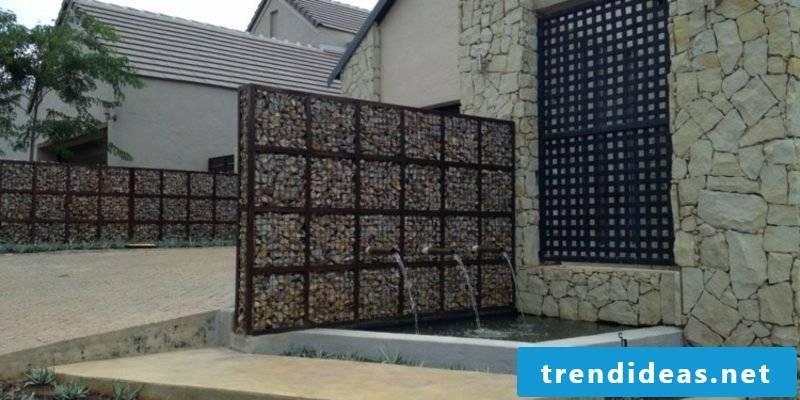 Gabion wall made of gravel