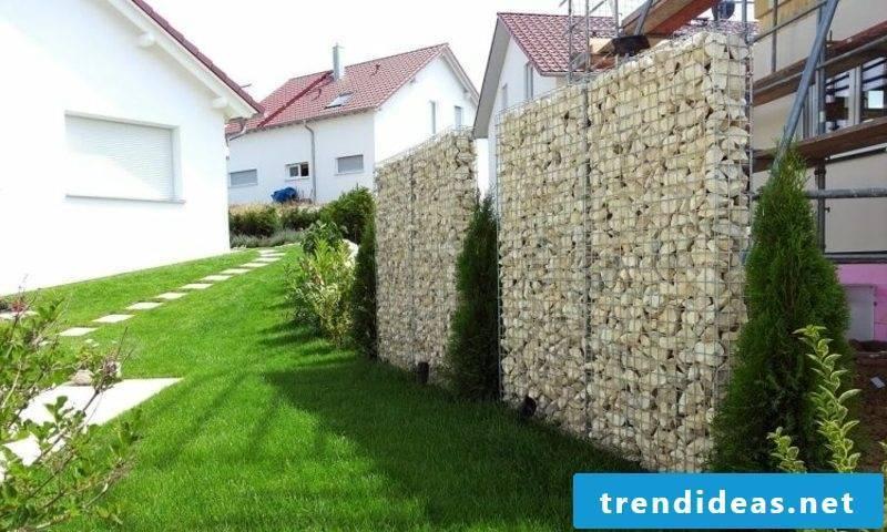 Stone fence gabions