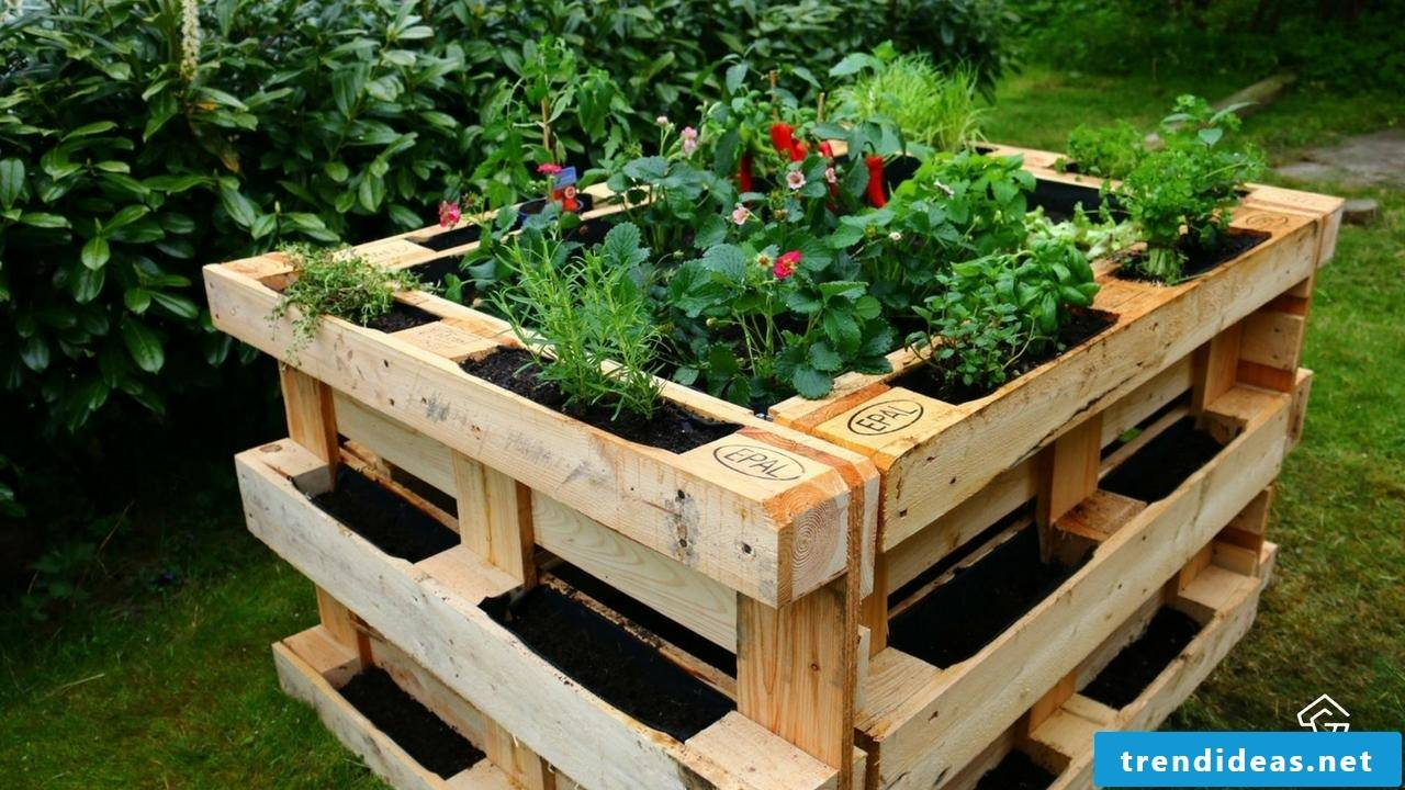 Garden furniture made of pallet raised bed made of europallets (5)