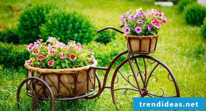 Garden ideas for little money Bicycle decoration