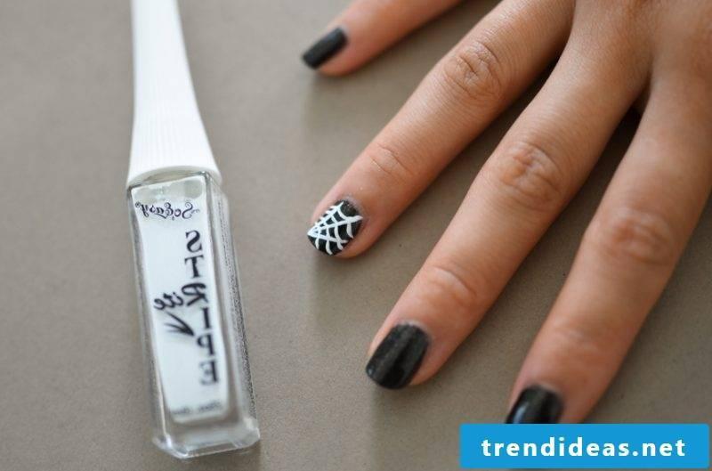Gel nails motifs for Halloween: Instructions Step 4