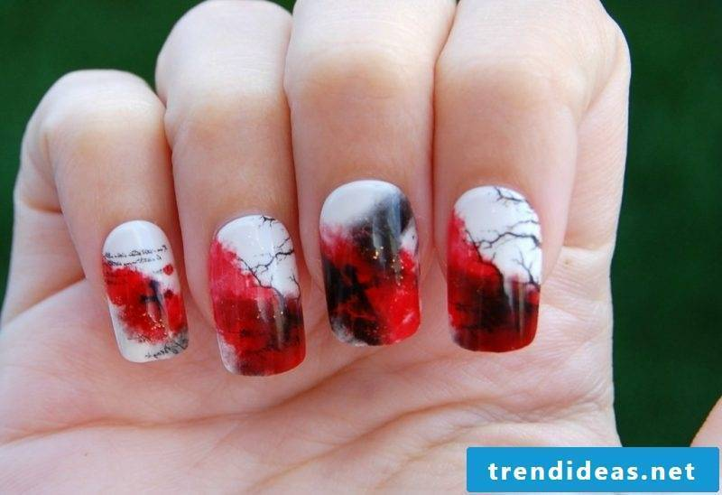 Scary gel nails motifs for Halloween