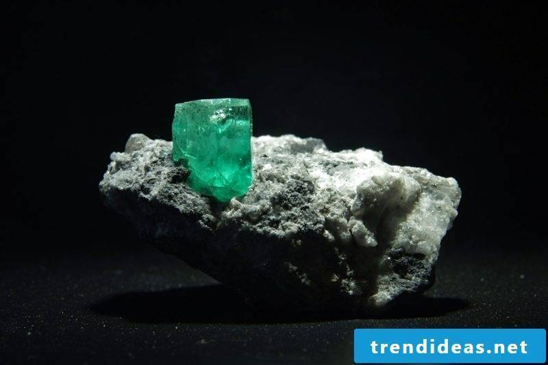gems meaning emerald