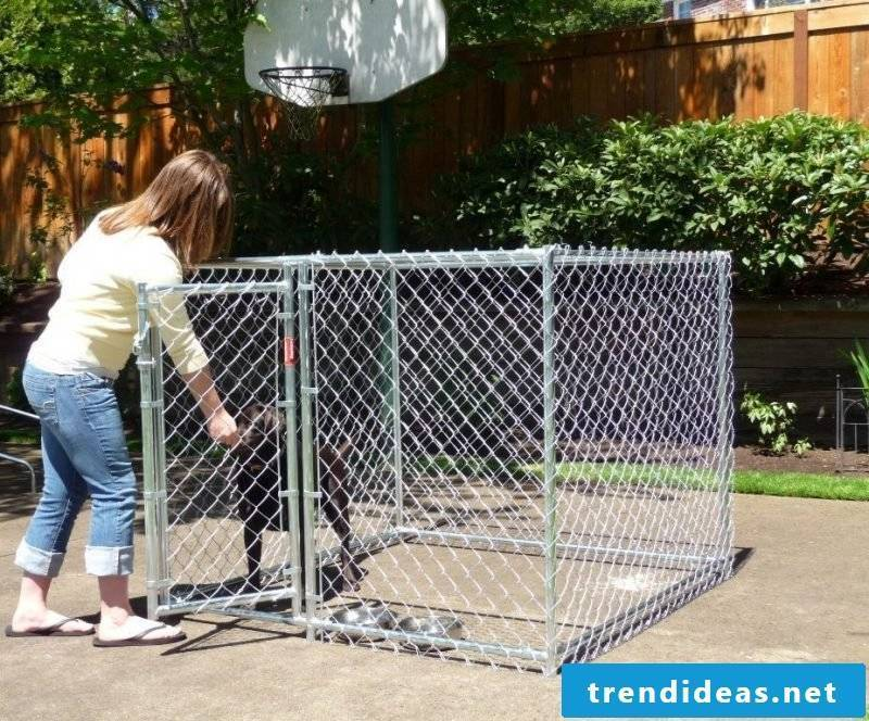 Build the dog kennel yourself!