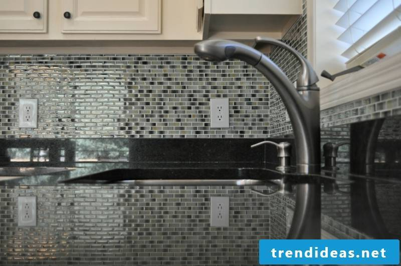 glass mosaic design options for the kitchen
