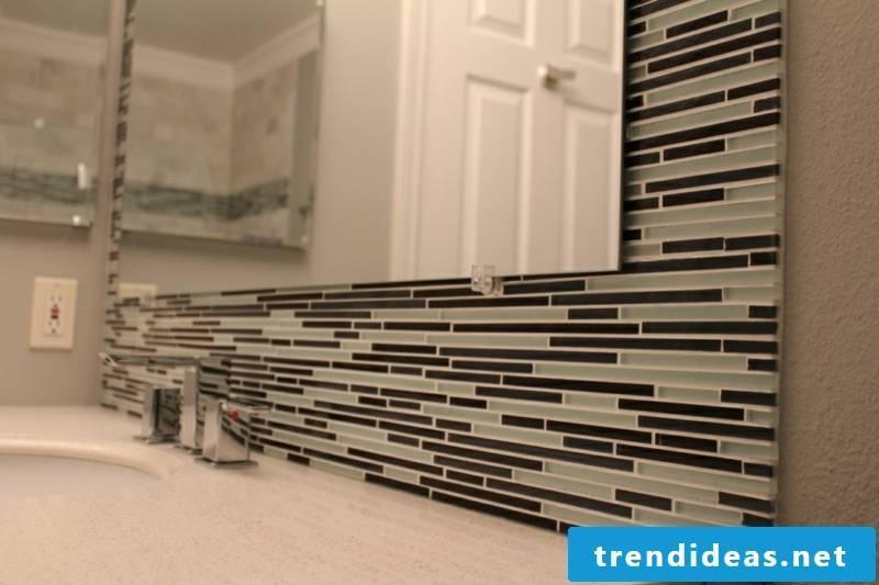 glass mosaic bathroom wall