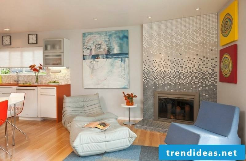 glass mosaic gray white in the living room