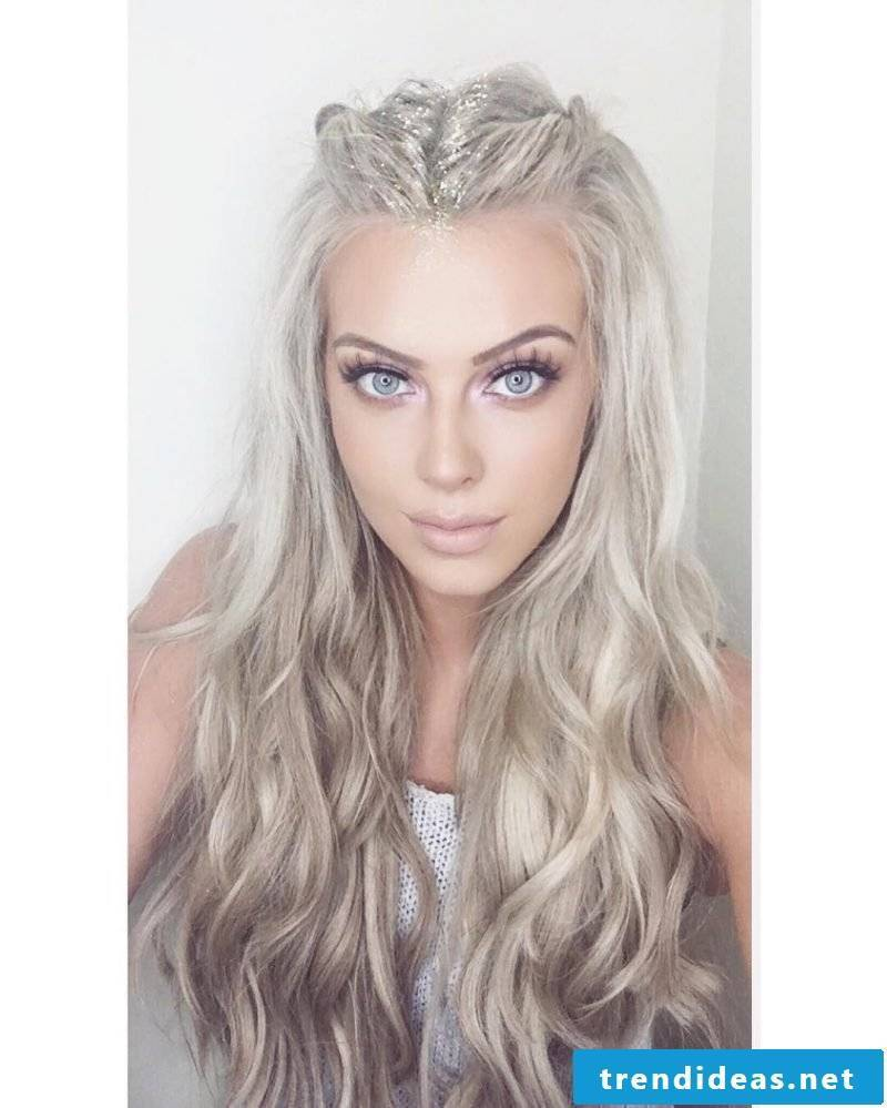 Shades of gray in hair with glitter