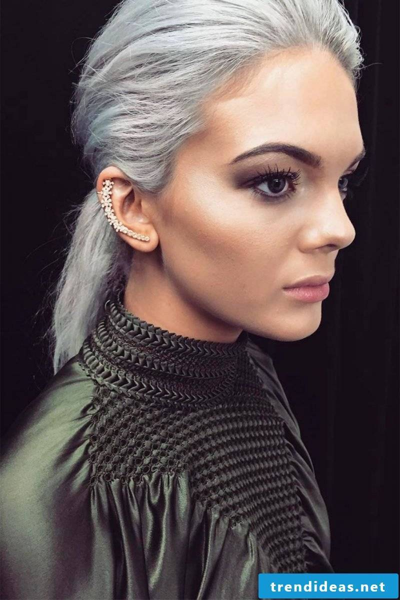 Dyeing gray hairs - that's how you get the right shades of gray