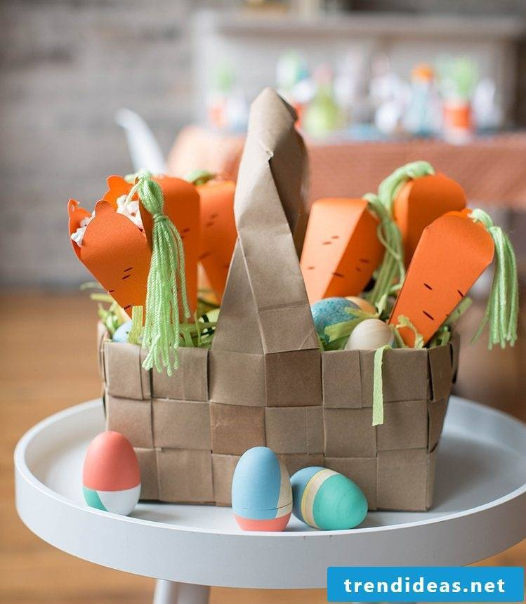Craft Ideas Easter: Create some beautiful carrots with puffed corn for Easter