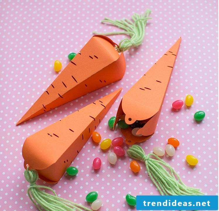 Craft Ideas Easter: Create some beautiful carrots from craft paper