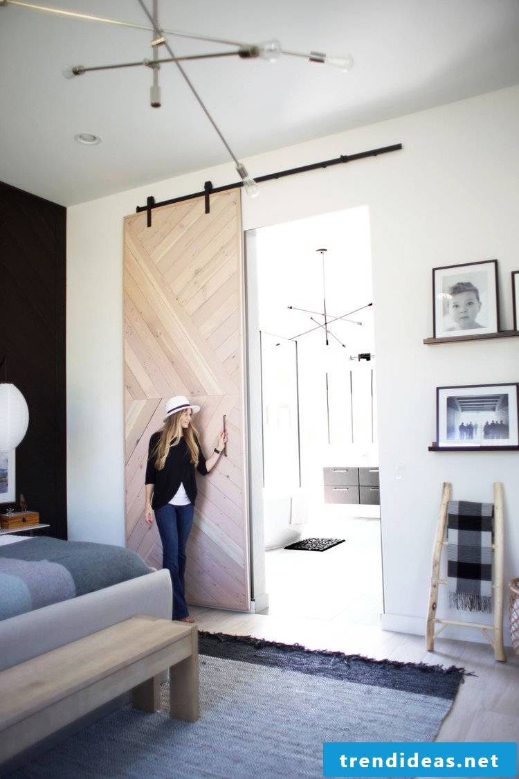 One of the best do-it-yourself home-improvement ideas we put together for you is for a big barn door for your bedroom.