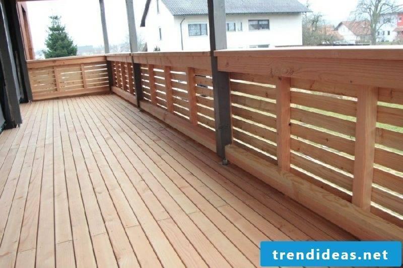 Balcony paneling made of wood