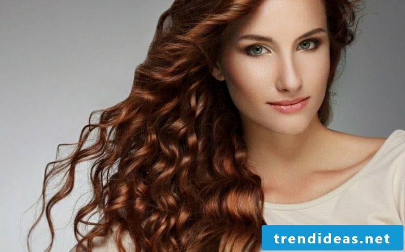 Hair tint after the lunar calendar interesting curly hairstyle