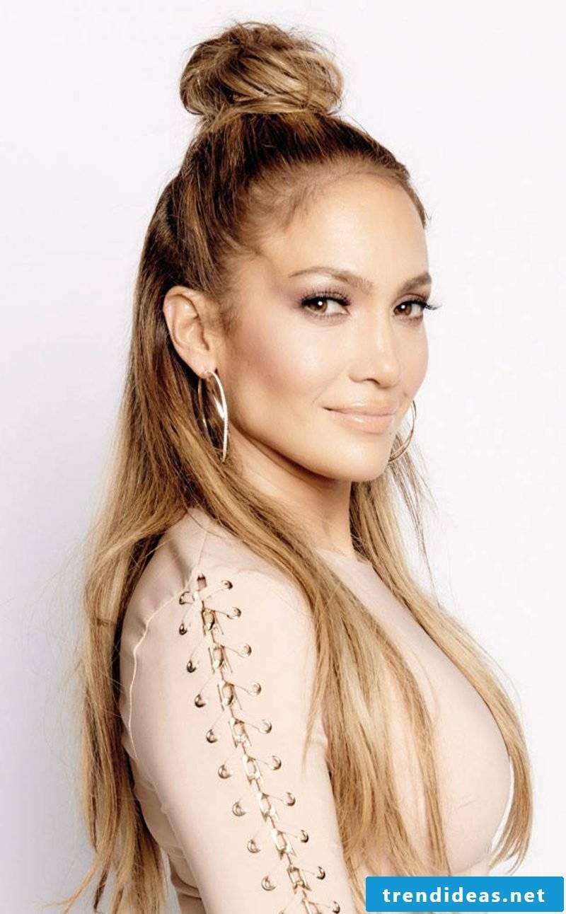 Hairstyle Trends 2017 Semi-Open Dutt Jennifer Lopez