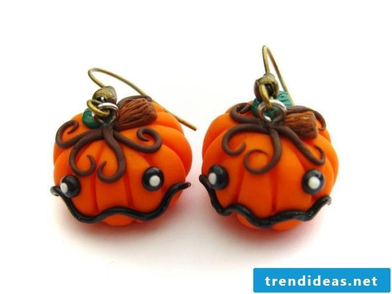Fimo Ideas: Halloween earrings in the shape of a pumpkin