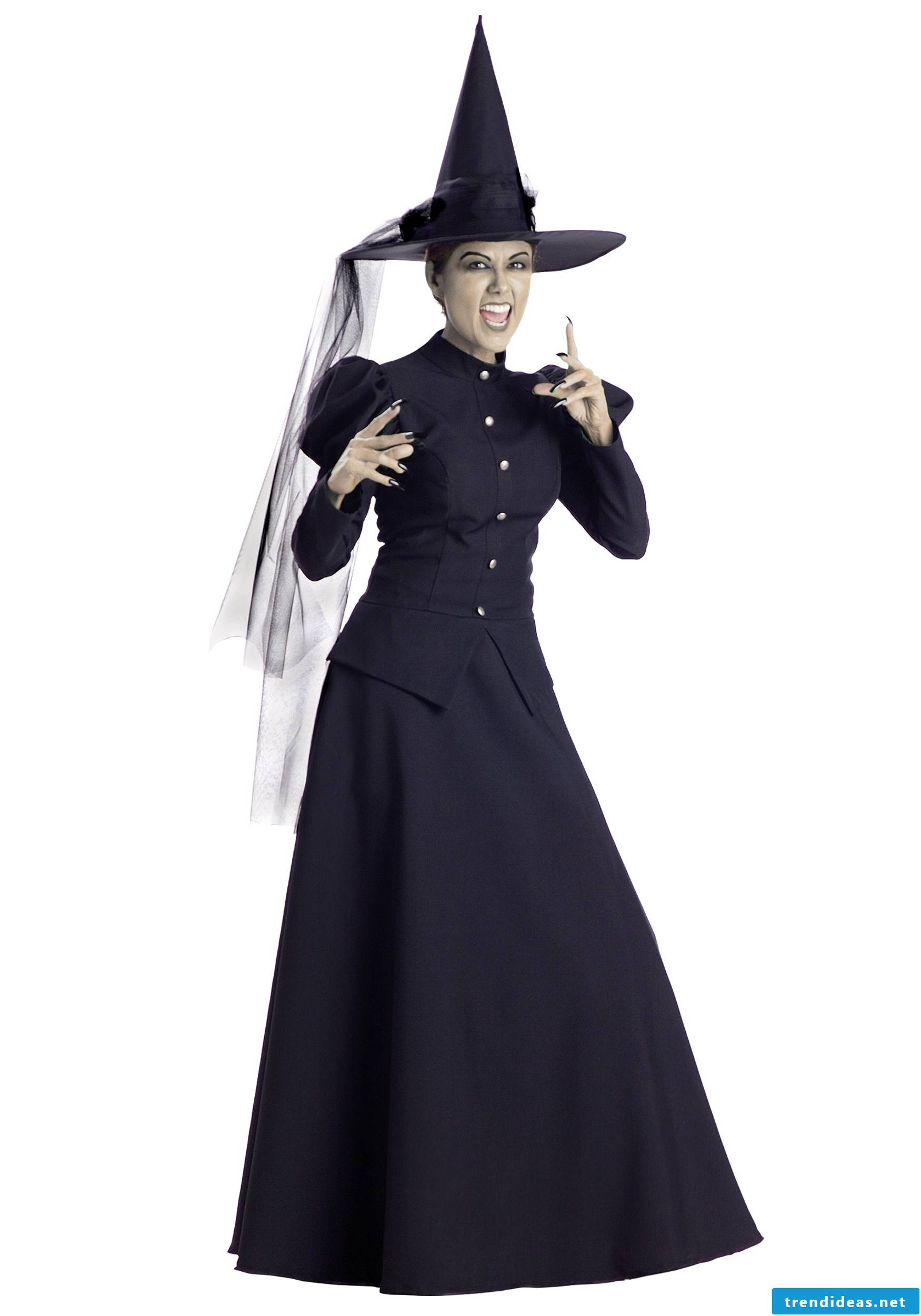 Witch costume can also look good