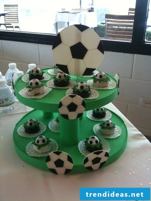 Etagere for football fans
