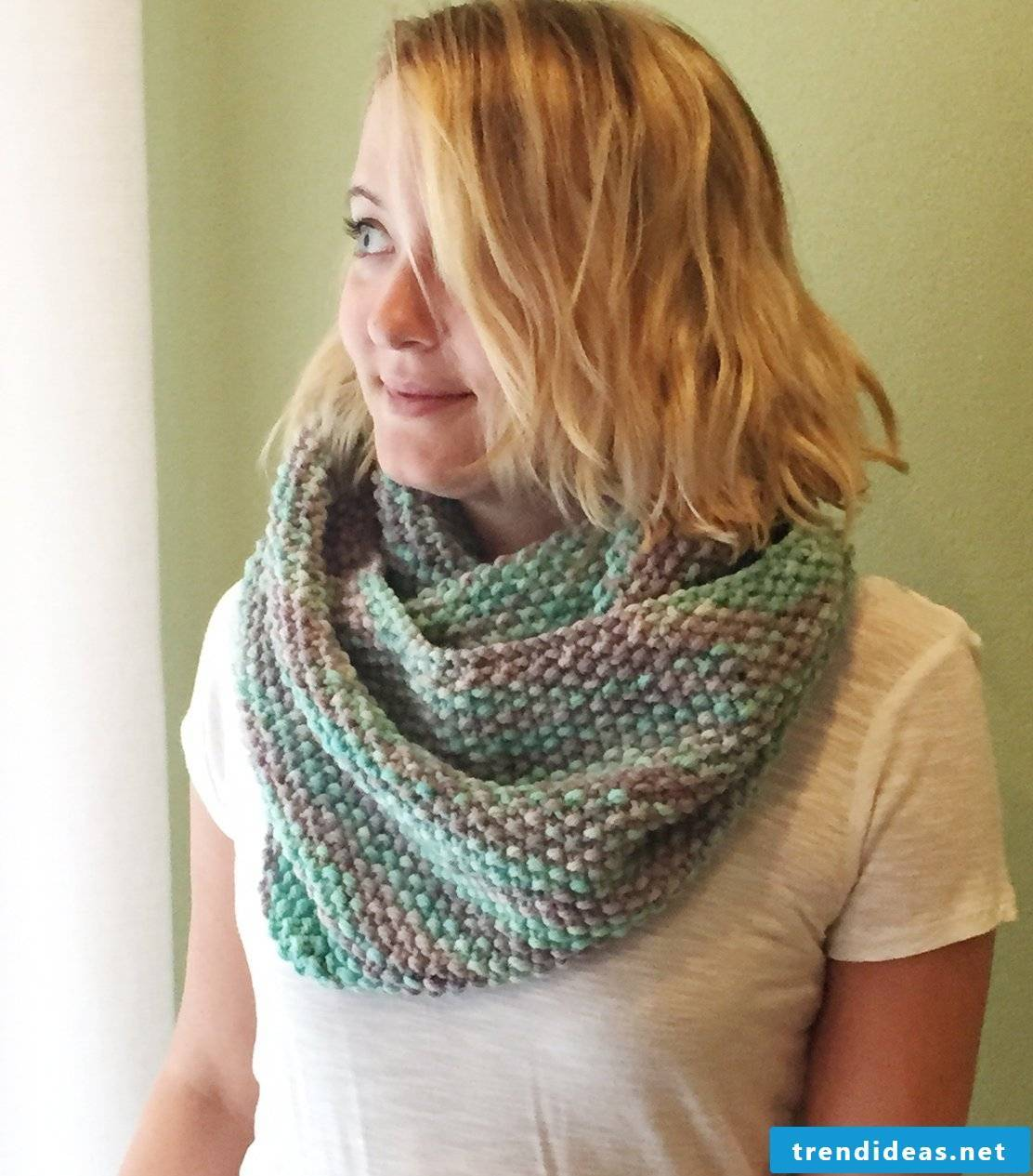 Knit a colorful scarf